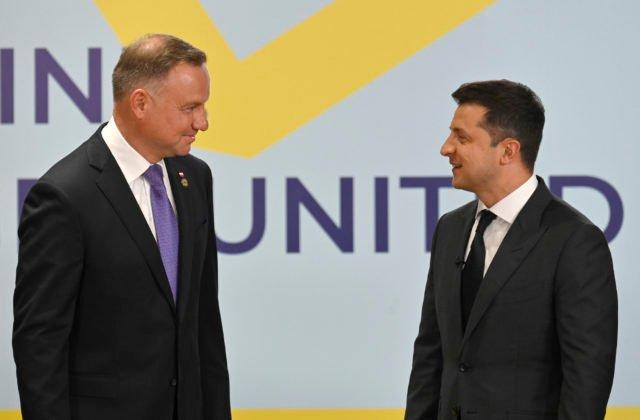 102143_ukraine_crimean_platform_summit_59937-c1b5f605cbb947caad636309c44f88d4-640×420.jpg