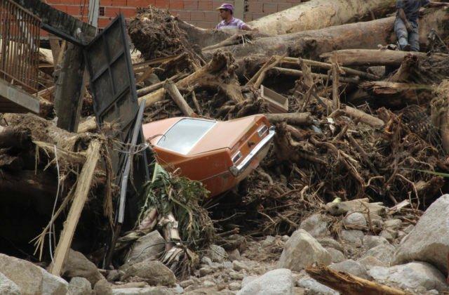 102481_aptopix_venezuela_floods_71474-f5dcc1066c5d424ab36b51cb0395a9fb-640×420.jpg
