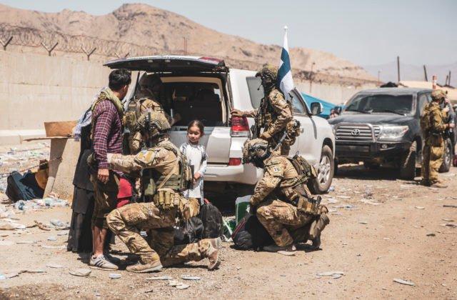 102501_afghanistan_republicans_refugees_17280-44c1599b94624c7d85665dfb55a94ddc-640×420.jpg