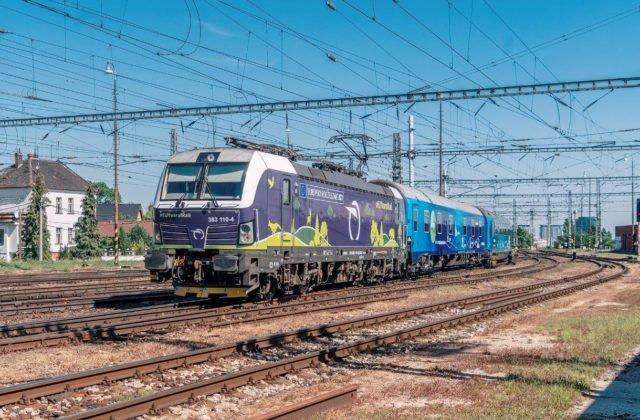 103429_connecting-europe-express-na-cele-s-lokomotivouzssk-vectron-vchadza-na-bratislavsku-hlavnu-stanicu-640×420.jpg