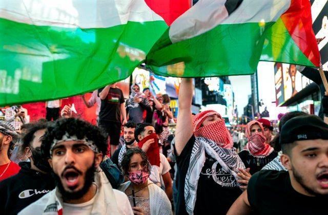 93329_israel_palestinians_new_york_57737-7dafc36c9990404b885a05dbd305d7d7-640×420.jpg