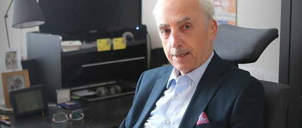 Spisovatel Lubo Olach napisal novy roman.