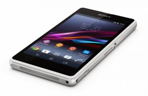 Xperia_Z1_Compact_White_Tabletop