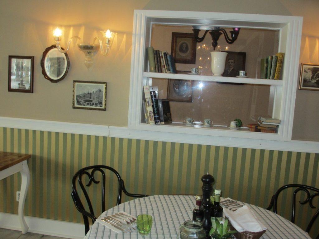 Interiér reštaurácie Zylinder pôsobí útulne a domácky. Aj preto si získal obľubu u návštevníkov.